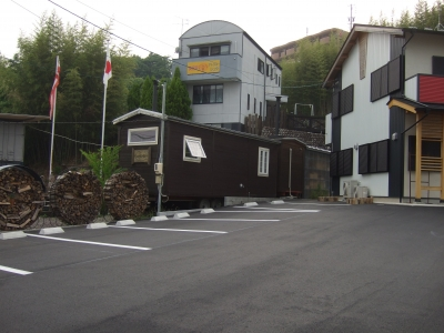 山の家のお隣の蕎麦屋さん、いよいよ開店・・・・?