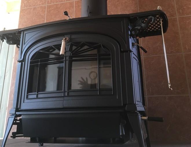 薪ストーブのアンコールを設置した平屋の家